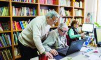 pensionari-carte-lectura-calculator
